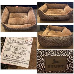 Stuft Urban Lounger Brown Dog Bed for Sale in Livermore,  CA