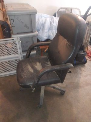 Desk chair for Sale in Highland, CA