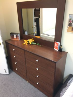 Compressed Wood Dresser and mirror for Sale in Cypress, CA