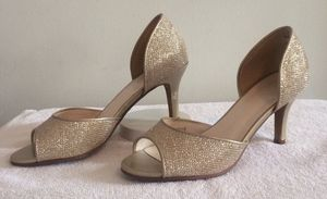 David's Bridal Champagne Metallic Peep Toes Size 5M for Sale in Pittsburgh, PA