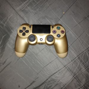 Gold Ps4 Controller and Headphones With It for Sale in Tucson, AZ