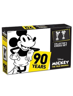 New Disney collectors Mickey chess set for Sale in Irvine, CA