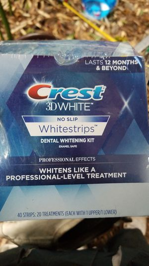Crest white strips 3D for Sale in Federal Way, WA
