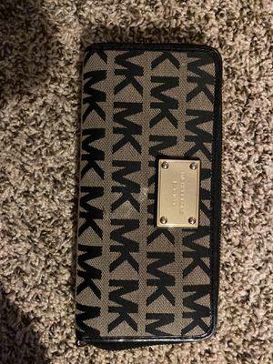 Michael Kors Wallet for Sale in Yucaipa, CA