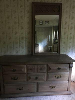 Bedroom set for Sale in Redmond, WA
