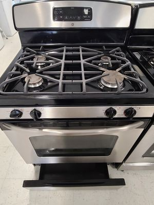 Ge gas stove used in good condition with 90day's warranty for Sale in Mount Rainier, MD