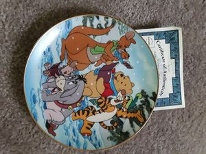 1 Disney plate with gold lining for Sale in Reynoldsburg, OH