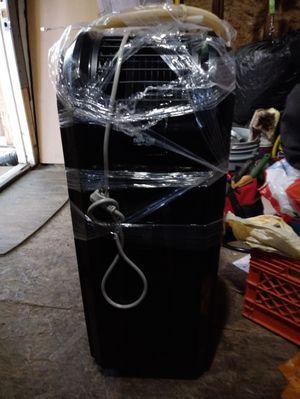 A/c dehumidifier portable unit 12000k 110v for Sale in Chicago, IL