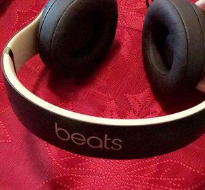 Beats studio 3 wireless for Sale in Fresno, CA