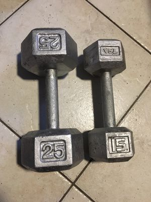Set of 2: SINGLE 15lb Hex Dumbbell and a SINGLE 25lb Hex Dumbbell for Sale in Coconut Creek, FL
