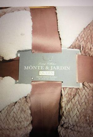 Monte & Jardin Sherpa Reversible Blanket - Queen for Sale in Ruston, WA