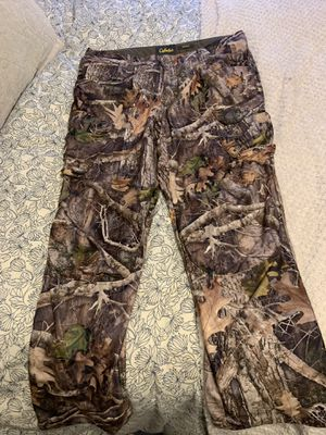Cabelas Kanati camo pants for Sale in Battle Ground, WA
