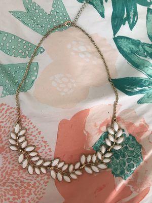 White Necklace for Sale in Garden Grove, CA