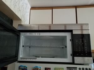 Microwave LG LMV1683ST for Sale in Brooklyn, NY