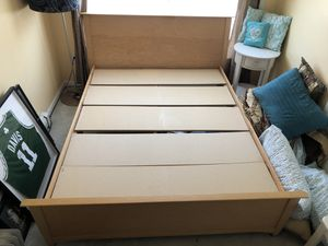 Queen platform bed frame for Sale in Thompson, CT