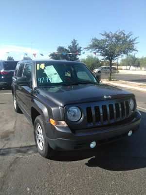 2014 jeep patriot manual 🌅 we open Sundays 10 to 4 🌅 everyone is welcome 🌅 aqui su amigo jesus les ayuda for Sale in Glendale, AZ