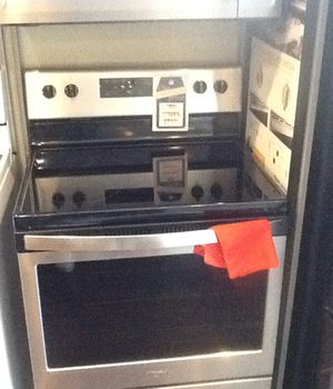 New open box whirlpool electric range WFE505W0HZ for Sale in Hawthorne, CA