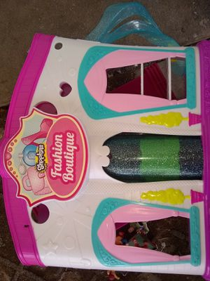 Shopkins figures and fashion Boutique playset for Sale in Culloden, WV