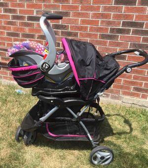 Baby stroller for Sale in Delavan, WI