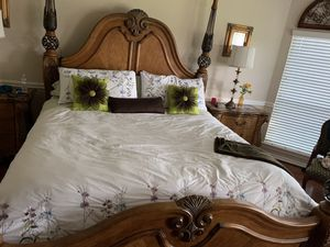 King size bed for Sale in Houston, TX