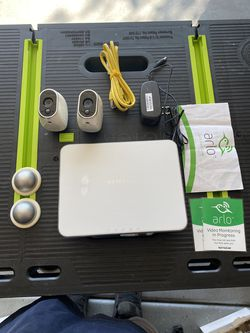 Arlo security wireless camera system with batteries for Sale in Glendale,  AZ