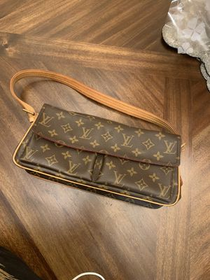 Louis Vuitton Monogram Canvas Shoulder Bag for Sale in Rosemead, CA