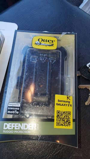 Galaxy S4 and iPhone 4 otterbox case for Sale in Denver, CO