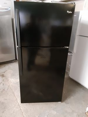 Refrigerator whirlpool good condition 3 months warranty delivery and install for Sale in Oakland, CA