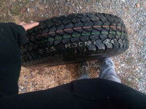 P225/75r15 Bridgestone tire for Sale in Chatsworth, GA