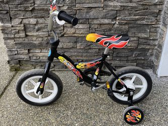 "12"" Fire Bicycle With Training Wheels for Sale in Bellevue,  WA"