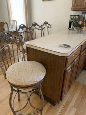 Bar-stool/Kitchen Counter Stool for Sale in Woodbridge Township, NJ