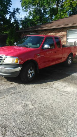 2002 F150 (Ford) run but engine makes noise. Have 290,000 miles. Truck will have be towed for Sale in North County, MO