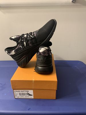 Louis Vuitton size 44(9.5 ) but can fit size 10 for Sale in Gaithersburg, MD