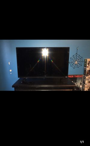 32 inch for Sale in Riverside, CA