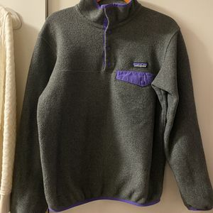 Patagonia women's snap fleece - Size Small for Sale in Seattle, WA