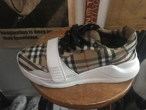 Burberry shoes size 10 for Sale in El Paso, TX