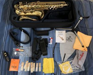 Jean Paul AS-400 Alto Sax Saxophone AS400 Like New with TONS OF EXTRAS for Sale in Decatur, GA