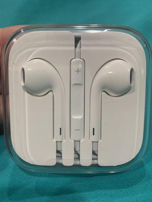 Apple Headphones for iPhone6S Plus for Sale in Visalia, CA