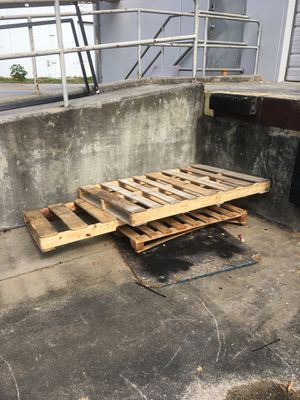 Free pallets for Sale in Orlando, FL