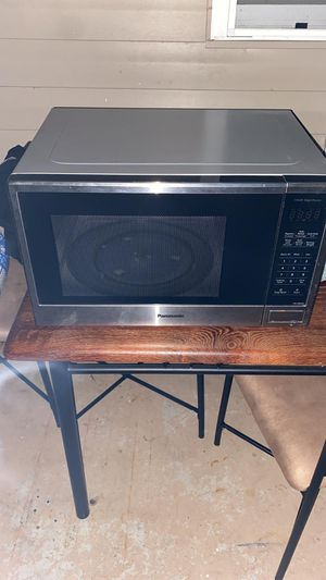 Panasonic microwave for Sale in Kissimmee, FL