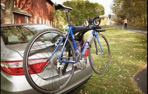 Saris Bones Car Bike Rack, Trunk or Hitch Carrier, Mount 2-Bicycles for Sale in Irving, TX
