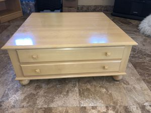Ethan Allen Coffee table in fair condition for Sale in Scottsdale, AZ