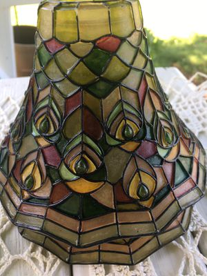 2 lamp shades sold as a set . Peacock for Sale in Loudon, TN