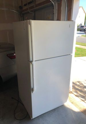 Whirlpool fridge for Sale in Mooresville, NC
