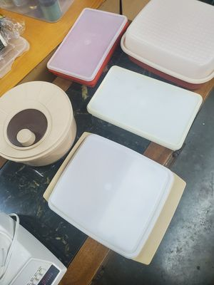 5 piece Tupperware containers for Sale in SKOK, WA