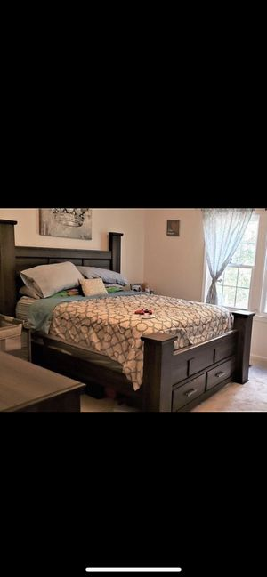 Whole bed set for Sale in Carrollton, GA