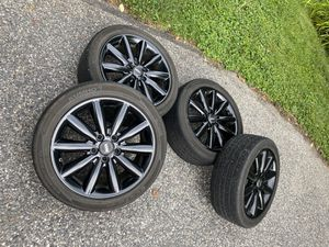 """5x112 17"""" wheels with tire pressure sensors for Sale in York, PA"""