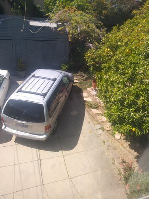 Ford windstar year 2000 for Sale in Los Angeles, CA