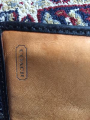 Real leather wallet and wristlet $15 for Sale in Los Angeles, CA