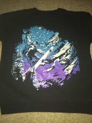 Boys like new snowboarding sweatshirt size XS for Sale in Goodyear, AZ